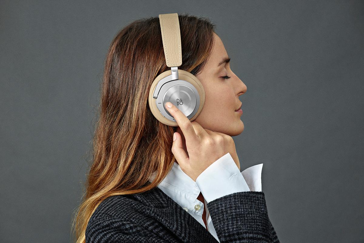 【CES 2018 现场】Beoplay 发布两款旗舰降噪耳机,它们两有啥不一样