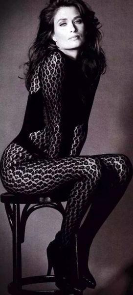 女性内衣进化史:以前的内衣既没人性又辣眼睛