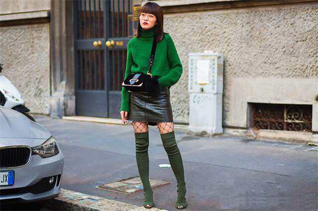 穿衣搭配图集:过膝长靴搭配短裙,超级显瘦显身材